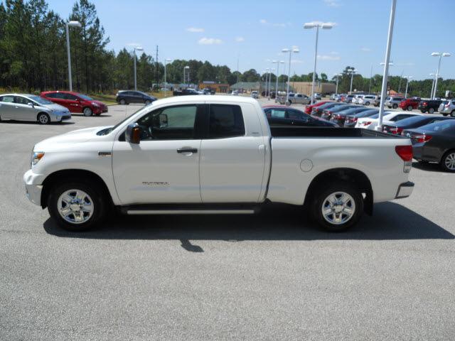 Toyota Tundra 2009 White Sr5 Gasoline 8 Cylinders 2 Wheel