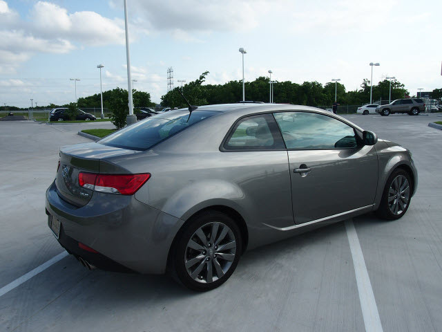 kia forte koup 2012 lt gray coupe sx gasoline 4 cylinders. Black Bedroom Furniture Sets. Home Design Ideas