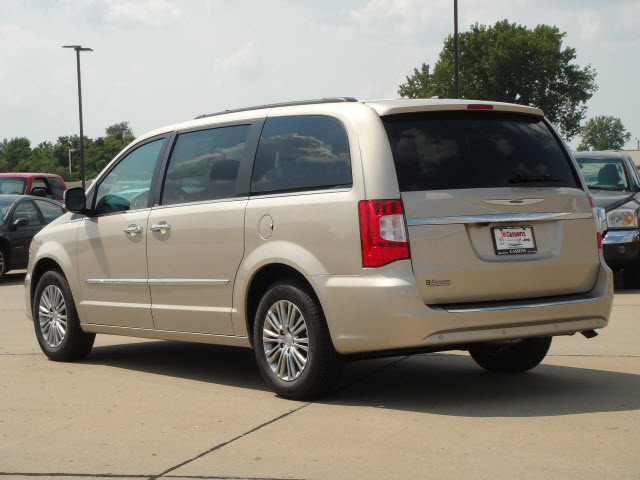 chrysler town country 2014 autos post. Black Bedroom Furniture Sets. Home Design Ideas