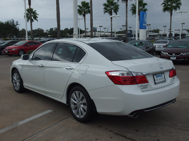 honda accord 2014 white sedan gasoline 6 cylinders front wheel drive 6 speed automatic 77566. Black Bedroom Furniture Sets. Home Design Ideas