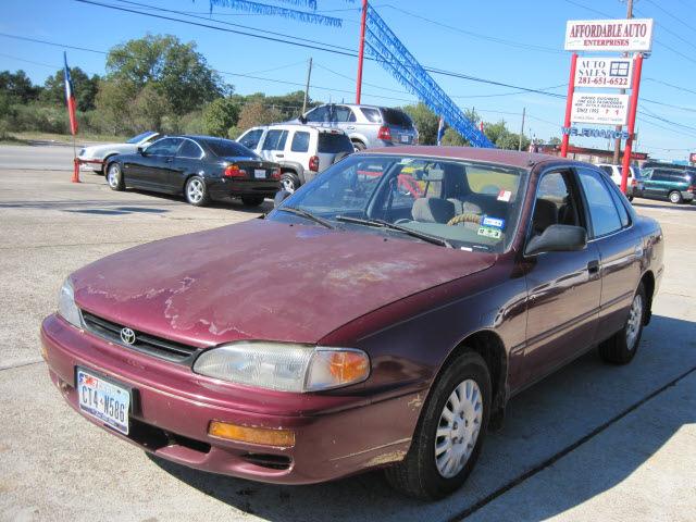 Toyota Camry 1996 Maroon Sedan Gasoline 4 Cylinders Front