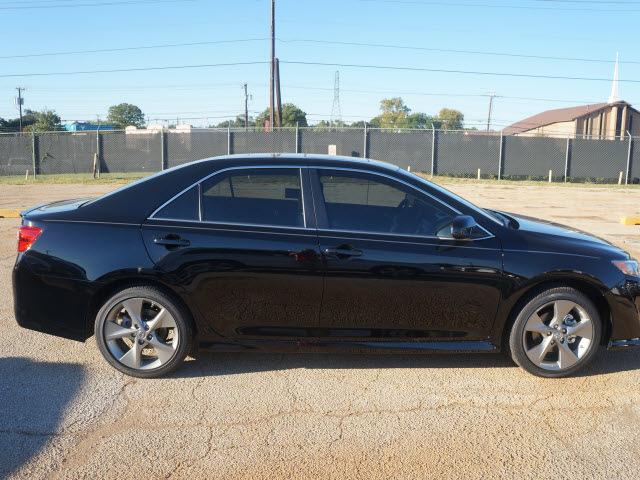 toyota camry 2014 black sedan se gasoline 4 cylinders front wheel drive 6 spe. Black Bedroom Furniture Sets. Home Design Ideas