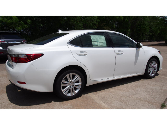 lexus es 350 2014 white sedan 6 cylinders automatic 77074 lexus es 350 2014 white sedan 6. Black Bedroom Furniture Sets. Home Design Ideas