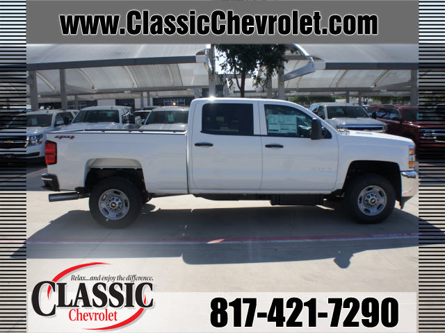 2015 white work truck diesel 8 cylinders 4 wheel drive automatic 76051