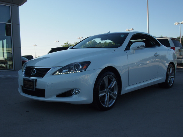 lexus is 350c 2012 white 6 cylinders 6 speed automatic. Black Bedroom Furniture Sets. Home Design Ideas